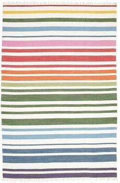 Diese schönen, handgewebten Teppiche aus Indien bestehen ausschließlich aus Baumwolle. Ihre einfachen Muster erinnern an die traditionelleren und auch bekannteren Flickenteppiche.
