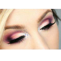 Beauty feature : @hiilen_makeup ❤️❤️ #mikasabeauty Beauty Brushes, Mikasa, Eye Makeup, Eyes, Instagram, Makeup Eyes, Eye Make Up, Cat Eyes, Make Up Looks
