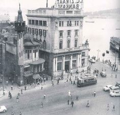 Karakoy Istanbul mosques and beside the Masonic building was used as a mosque for a long time, the architect of the Agricultural bank .... Karakoy Italian Raimando d'Aronco, One of the most important architects of the century.