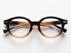 I've been wanting to buy new reading glasses for a while and suddently I really really really need these