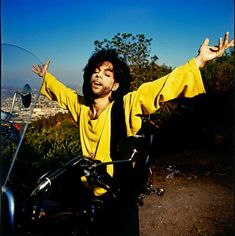 Accgoo Presents : Prince 40 Years in Pictures Prince Images, Roger Nelson, Music Like, Prince Rogers Nelson, My Prince, Rare Photos, 40 Years, Presents, Pictures