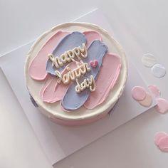 Pretty Birthday Cakes, Pretty Cakes, Beautiful Cakes, Tumblr Birthday Cake, Birthday Pins, 26th Birthday, Birthday Desserts, Happy Birthday Cakes, Cake Birthday