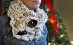 Completed arm knit infinity scarf    Courtesy of Tanna Peters