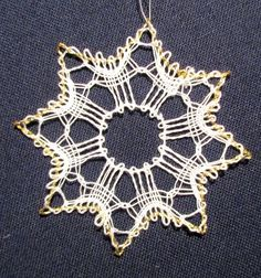 It's that time of the year - Petricy Bobbin Lace Patterns, Flower Patterns, Lace Christmas Tree, Pin Weaving, Lace Heart, Lace Jewelry, Mothers Day Crafts, Sewing A Button, Lace Fabric