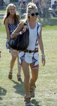 love all her festival get-ups