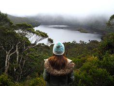 How to Visit Cradle Mountain National Park, Tasmania - World of Wanderlust Cradle Mountain Tasmania, Tasmania Travel, World Of Wanderlust, Michael Kors, Places Around The World, Australia Travel, World Heritage Sites, The Great Outdoors, Adventure Travel