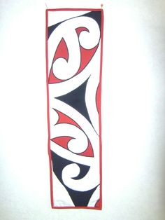 Traditional Maori design, a great wallhanging. Work Office Design, Maori Patterns, Flax Weaving, Maori Designs, Maori Art, Kiwiana, Table Designs, Coffee Table Design, Hobbies And Crafts