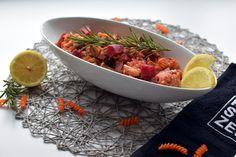 Lupinen-Feta Nudelauflauf - mit roten Rüben und Melanzanie Feta, Serving Bowls, Tableware, Kitchen, Texas Bluebonnets, Souffle Dish, Bowls, Cuisine, Dinnerware