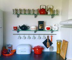 Finel kahvipannu, teepannu, peltipurkki, voipytty, Iittala taika, leipälaatikko, Primavera kattila, Muumimuki...