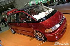 We're psyched now that we can finally talk about our favorite vehicles of the 2007 Tokyo Auto Salon: the style wagons. Mens Vans Shoes, Vans Men, Supercars, Toyota Van, Toyota Previa, Mercedes G Wagon, Candy Apple Red, First Drive, Auto News