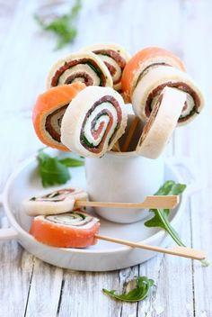 MIEL & RICOTTA: Girelle di salmone e rucola Heerlijk te maken met een casino wit brood in de lengte gesneden. #bakkerijdekoning.nl