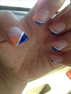 Having short nails is extremely practical. The problem is so many nail art and manicure designs that you'll find online Denver Broncos Nails, Hair And Nails, My Nails, Nails 2017, Cute Nails, Pretty Nails, Football Nail Art, Fabulous Nails, Cute Nail Designs
