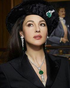 Monica Bellucci wearing three different Cartier creations. Ladies Jewelry   www.majordor.com