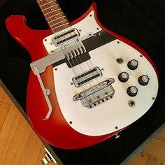 Printing Ideas Useful Guitar Songs Watches Info: 4724860066 Electric Guitar Lessons, Bass Guitar Lessons, Guitar Tips, Electric Guitars, Rickenbacker Guitar, Fender Guitars, Acoustic Guitar Case, Guitar Chords, Guitar Songs