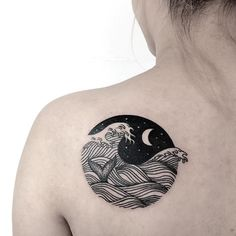 Beautiful design by Caitlin at Wolf & Wren Collective. http://blog.tattoodo.com/2015/09/16-refreshing-wave-tattoos/