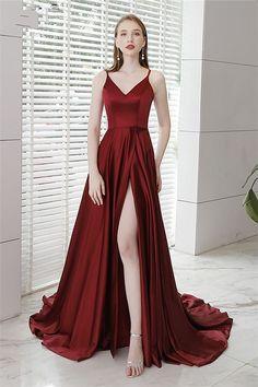 f6f3c0129 15 Lindos vestidos extra largos para ser la envidia en tu graduación