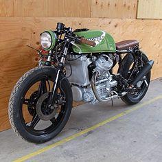 Cx Vintage Bikes, Vintage Motorcycles, Custom Motorcycles, Custom Bikes, Cx500 Cafe Racer, Cafe Racer Motorcycle, Cafe Racers, Honda Cx500, Honda S