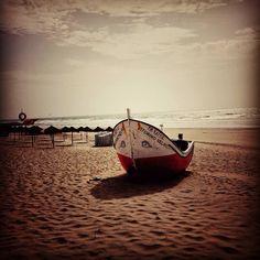 Viagens perto da Minha Terra #costadacaparica #portugal #surf #beautiful #nature #sea #lisboa #surfing #beach #caparica #majesticsquares #sunset #nothingisordinary #freezfram #sun #ilovecapariva #amazing #portugalcomefeitos #summer #waves #life #p3top #december #sky #oh_mag #friends #portugal_em_fotos #winter #visitportugal