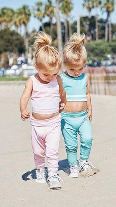Cute Baby Twins, Twin Baby Girls, Cute Baby Names, Twin Babies, Twin Girls Outfits, Cute Little Girls Outfits, Family Outfits, Kids Outfits, Tatum And Oakley