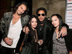 Jason Momoa, Lisa Bonet, Lenny Kravitz and Zoe Kravitz. Clearly, only hot people allowed in this picture. Lenny Kravitz, Beautiful Family, Beautiful People, Beautiful Beautiful, Beautiful Children, Gorgeous Men, Pretty People, Beautiful Pictures, Bratt Pit