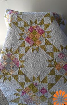 Piece N Quilt: such pretty quilting