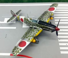 """(52.00$)  Watch here - http://aiv2x.worlditems.win/all/product.php?id=32470511855 - """"Genuine WARMASTER 1:72 World War II Japan KI-61HIEN """"""""Flying Swallow"""""""" fighter model alloy APF0021 Static collection model"""""""