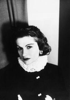 Mademoiselle Chanel. Photo: George Hoyningen-Heune.