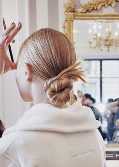 Mane: (n.) A head of distinctly long, thick hair. Low Pony Hairstyles, Long Fringe Hairstyles, Hairstyles With Bangs, Braided Hairstyles, Blonde Redhead, Blonde Hair, Short Natural Curly Hair, Celebrity Hair Stylist, Wedding Hair Inspiration
