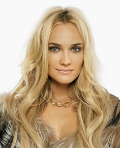 Diane Kruger is a beautiful German blonde and a very talented Hollywood actress. Beautiful Celebrities, Most Beautiful Women, Beautiful People, Diane Kruger, The Other Boleyn Girl, Gentlemen Prefer Blondes, Beauty Around The World, German Women, Great Hair