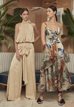 Outfits from Silvia Tcherassi Pre-Fall 2020 collection. 2020 Fashion Trends, Fashion 2020, Fashion News, Trends 2018, Latest Fashion, Mode Hijab, Summer Trends, The Dress, Spring Fashion