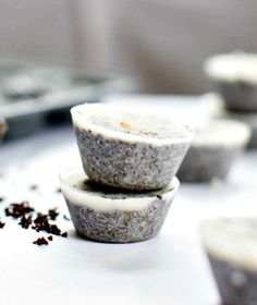 How to Make Coconut Coffee Scrub Cubes (For Cellulite, Stretch Marks + Puffy Faces)