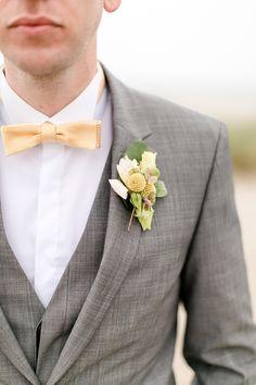 Klassischer 3 teiliger anzug in grau f r den br utigam mit marineblauer krawatte br utigam - Abiball fliege ...