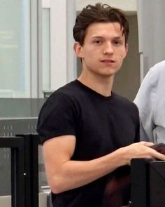 """""""pretty sure its illegal to look this good in an airport but its okay i'll just die silently…"""" Tom Parker, Tom Holland Peter Parker, Tom Holand, Baby Toms, Def Not, Tommy Boy, Cute Boys, To My Future Husband, Actors"""