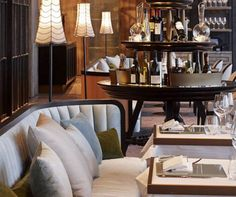 Combining architectural accuracy with bespoke craftsmanship to produce interior design projects of high quality, AB Concept is one of the most remarkable and known design studios on the planet. Cafe Interior, Best Interior, Ab Concept, Restaurant Design, Chinese Restaurant, Public Restaurant, Western Restaurant, French Windows, Luxury Dining Room