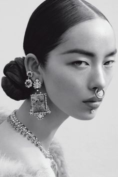 No word on the jewellery here. Model Fei Fei Sun by Mert and Marcus for Italian Vogue, June The marriage of street and upper echelon bling - multiple piercings in diamonds and gems. Face Reference, Photo Reference, Anatomy Reference, Fotografie Portraits, Kreative Portraits, Alas Marcus Piggott, Portrait Photography, Fashion Photography, White Photography