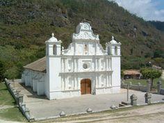 Iglesia en el municipio de La campa en el departamento de Lempira, una de las mas antiguas