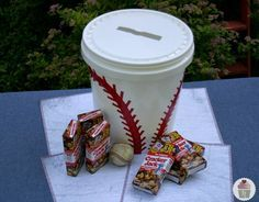 baseball bucket card holder - Really like this simple solution....check it out Cindy