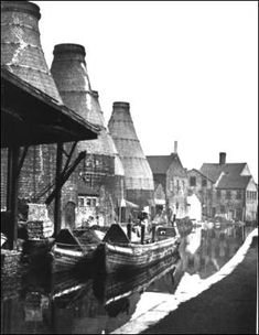 Barges tied up on the Caldon canal alongside the Meakin Eastwood Pottery, Hanley. 1952