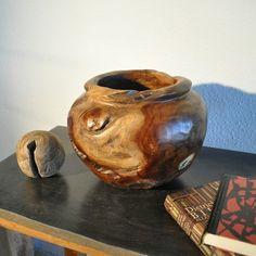 organikus fa bútorok Fa, Do It Yourself Projects, Canning, Crafts, Furniture, Vintage, Design, Home Decor, Home Decoration