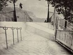 All photos copyrighted by the estate of Andre Kertesz. Andre Kertesz is one of the greatest photographers who ever lived. He ph… Andre Kertesz, History Of Photography, Vintage Photography, Street Photography, Art Photography, Budapest, Henri Cartier Bresson, Montmartre Paris, New York City