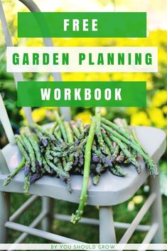 Backyard vegetable garden planner: Grab this free guide to planning your vegetable garden.
