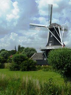 molen De Fram te Woltersum, Groningen, is een houtzaagmolen vlak bij Ten Boer.  De molen is in 1867 gebouwd als houtzaag-, koren- en pelmolen. De molen werd later vernoemd naar het schip Fram van de Noorse ontdekkingsreiziger Fridtjof Nansen. De molen heeft nog steeds een koppel maalstenen en een restant van het pelwerk.