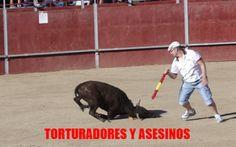 El sufrimiento infligido a los terneros durante un festival español lleno de…
