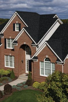 Certainteed Landmark Shingles In Moire Black Outdoor
