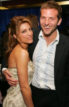 Pin for Later: They Dated?! Celebrity Couples From the Past Jennifer Esposito and Bradley Cooper Bradley married Jennifer in 2006, and the couple divorced in 2007. Bradley then went on to date Renée Zellweger.