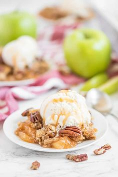 Caramel Apple Dump Cake - One of the easiest cake recipes you will find! Made with butter pecan cake mix, caramel sundae sauce, apple pie filling and pecans. Caramel Apple Dump Cake, Apple Dump Cakes, Dump Cake Recipes, Best Dessert Recipes, Caramel Apples, Sweet Recipes, Frosting Recipes, Fruit Recipes, Brownie Recipes