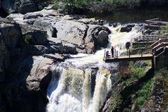 El Pozo del Humo, en Masueco, junto a Aldeadávila de la Ribera. Parque Natural de los Arribes del Duero, entre España y Portugal.