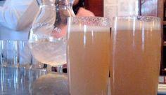 Bellini Recipe (Italian peach and sparkling wine cocktail)