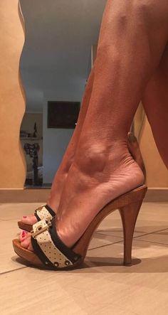 High heel sandals #sandalsheelscasual