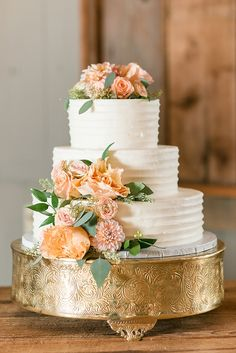 Floral wedding cake by Incredible Edibles on gold cake stand | Photo by Audrey Rose Photography | Elegant Vintager Inn Wedding on heartlovealways.com